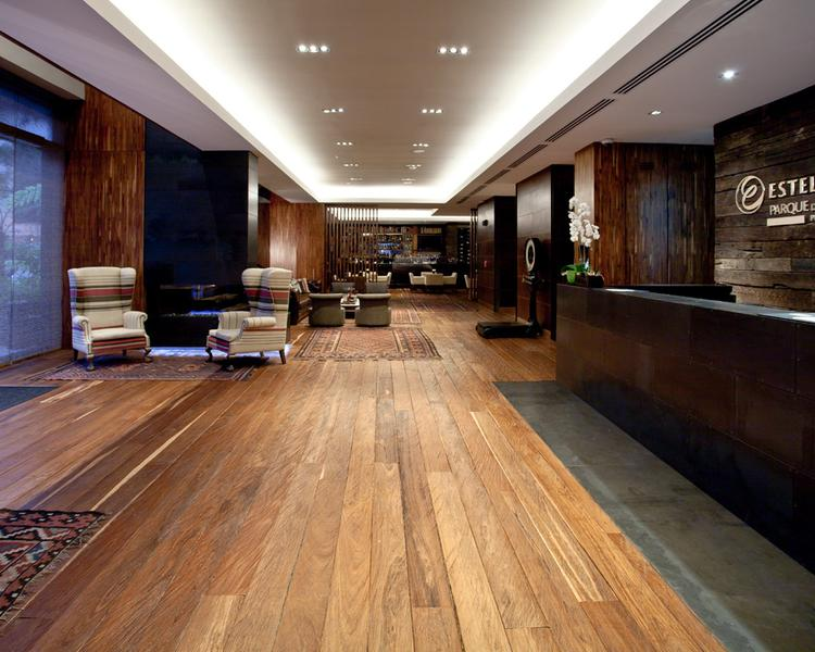 Recepción Hotel ESTELAR Parque de la 93 Bogotá